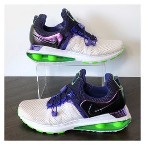 LIKE NEW Nike Shox Violet Fusion Running Shoes